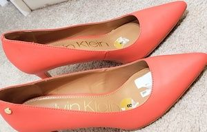 Calvin Klein orangish pumps